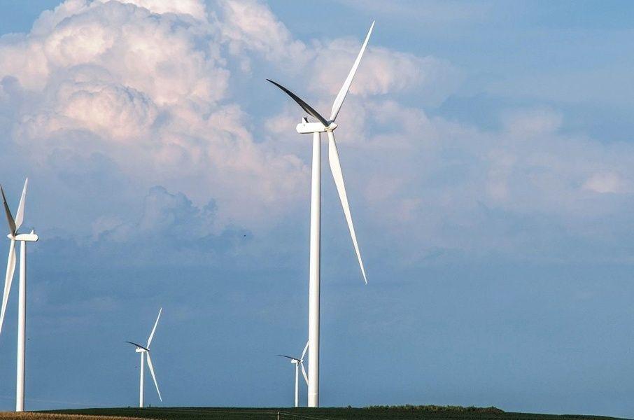 Восемь ветропарков построят в Ростовской области к 2023 году