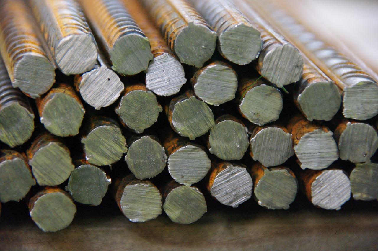 Вице-премьер назвал сроки принятия новых мер для стабилизации цен на строительный металл